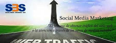 Social Media Marketing es el proceso de obtener tráfico del sitio web o la atención a través de los sitios de medios sociales
