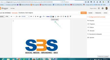 en la barra superior, luego del icono de enlace se encuentra el insertar imagen